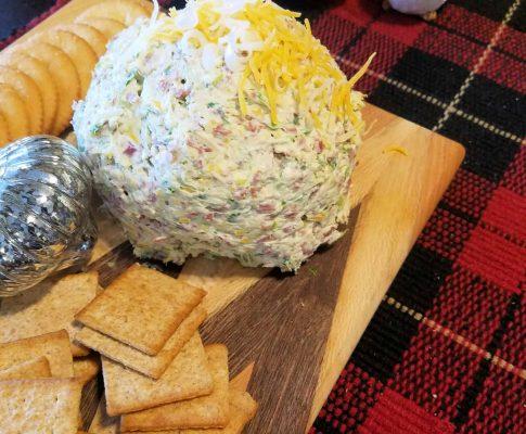 Beefy Onion Cheeseball